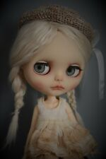 Custom blythe doll OOAK con placa frontal spookykidsworkshop
