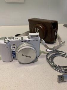 Samsung white EX2F camera with accessories