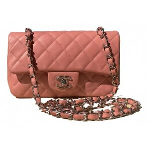 Chanel classic flap bag in pink leather