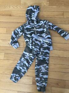Carters Boys Size 5T Camouflage Sweatsuit