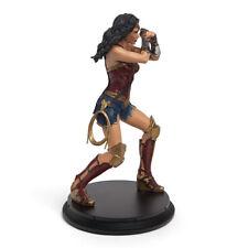 Justice League Wonder Woman Gauntlet Clash Statue Exclusive Bonus Batman plush