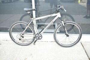 """2004 Gary Fisher marlin Mountain Bike 15"""""""