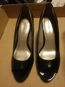 Lady's Bandolino Black Le Size 8.5 wide brand new Condition