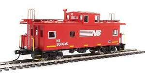 HO Scale - WALTHERS MAINLINE 910-8760 NORFOLK SOUTHERN Standard Cupola Caboose