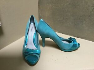 Menbur prom formal high heels open toe suede shoes metallic bow US 6,5 NEW