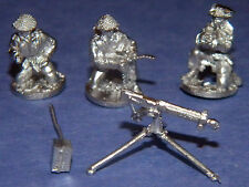SHQ BT42 1/76 Diecast WWII British Vickers Machine Gun Crew Firing