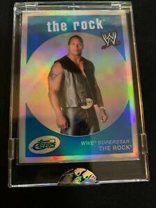 07 E TOPPS Uncirculated The Rock Dwayne Johnson WWE SP #723/999 ETW-4 REFRACTOR