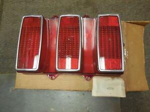 NOS 1969 FORD MUSTANG TAIL LAMP LENS ASY