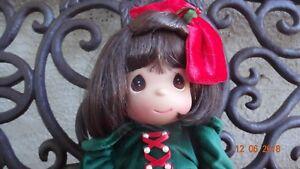 Precious Moments Christmas Snow White doll