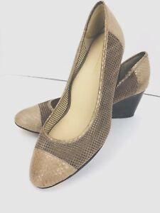 Taryn Rose Kingspoint Beige Leather 8.5 M Wedge Heel Snake Embossed Cap Toe