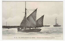 Fishing Boat Bateau de peche Boulogne France 1910s postcard