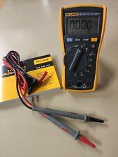 Multimètre numérique Fluke 115 True RMS