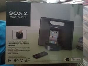 Sony RDP-M5iP Portable Compact Speaker Dock iPod and iPhone Black - Open Box