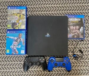 PS4 Console + 2 Controllers + 3 Games