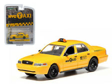 FORD CROWN VICTORIA NEW YORK CITY TAXI (NYC) 1/64 DIECAST BY GREENLIGHT 29773