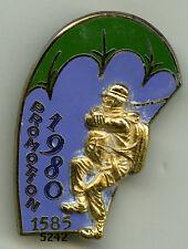 Insigne parachutiste , Promotion École des Troupes Aéroportées 1585/ 1980