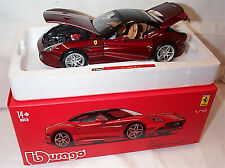 Ferrari California T closed top Signature Series - 1:18 Scale Diecast Car burago