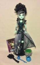 Mattel Monster High Ghouls Rule Frankie Stein Doll + Clothes Shoes