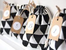 Stoffsäckchen Adventskalender Girlande Stoff schwarz/weiß Garn & Aufkleberzahlen