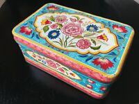 "Vintage 1940's Original Tin Box - Flower Design - 6 1/2"" x 4"""