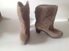 UGG 3361 Boots 'Lynnea Arroyo' BEIGE  Woven Suede Studded Clog Heels Size: 7