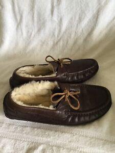 UGG Australia Dark Brown Sheepskin Leather Wool Men's Size 7 US/6 UK/39.5 EUR