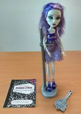 Monster High poupée Doll ** SPECTRA VONDERGEIST Habits Chaussures + LE LIVRET
