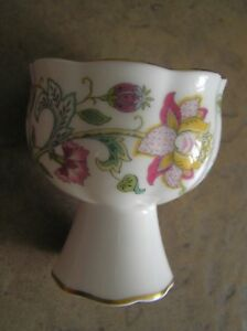 """A PRETTY MINTON """"HADDON HALL"""" FOOTED VASE / CANDLE HOLDER: 3"""" TALL: VG CONDITION"""