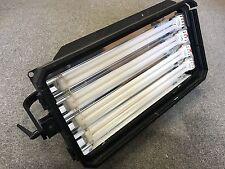 Arri Studio Cool 4 Accesorio fluorescente-no oscurecimiento, soporte de montaje - 220 total Wa