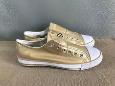 BNWT older girls Sz 1 Rivers Doghouse Brand Gold No lace up Canvas Shoe