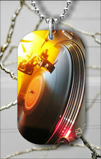 DISCO MUSIC RECORD PLAYER DOG TAG PENDANT NECKLACE FREE CHAIN -tfd3Z