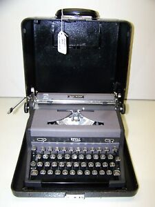 Antique 1949 Royal Quiet DeLuxe Vintage Typewriter #A-1782197