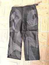"Women's""WWW WORTH""Black White Design Stretch Capri/Pants size 6  SUPER CUTE!"