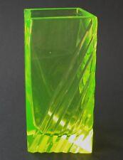 Annagelbes Uranglas / Vaselinglass