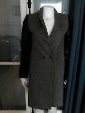 Manteau Zara neuf noir et blanc manches en cuir.  top mode pour hiver 2018-2019