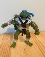 """TMNT Teenage Mutant Ninja Turtle 2005 Leonardo 5"""" Tall Action Figure"""