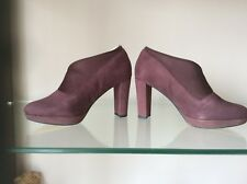 CLARKS SIZE 2.5 D KENDRA MIX AUBERGINE  SUEDE SLIP ON SMART BOOT COURT SHOES