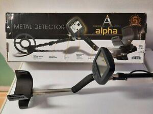 detecteur ALPHA 2000 TEKNETICS avec protection de pluie et protege disque