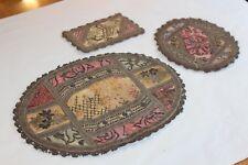 3 anciens napperons brocard en fils or et argent, à restaurer