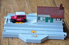 THOMAS TANK ENGINE Tomy Train Station with Caroline Excellent condition