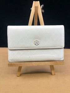 CC182 CHANEL White Quilted Leather Camellia GINZA Limited Edition Bifold Wallet