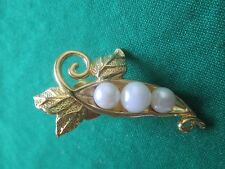 "AVON VINTAGE *PIN WITH 3 PEARLS *1 1/2"" LONG & 3/4"" WIDE *NEW* *RARE 1992"