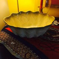 GORGEOUS LARGE ITALIAN MAJOLICA FRUIT BOWL CENTER PIECE
