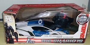 FREE THE CHARIOTS 1:18 R/C Transformer Police Lamborghini 1-Key Transformation