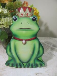 2017 Lindt Chocolate FROG Prince tin box. EMPTY