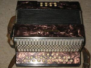 Nice small Hohner Liliput button accordion C/F Tornisteraccordeon