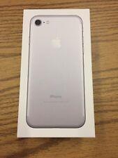 Apple iPhone 7 - 32GB - Silver (Unlocked) Smartphone