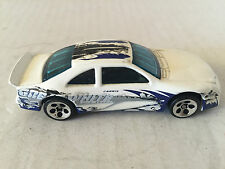 HOT WHEELS ÉCHELLE 1:43 MATTEL CARRIS GREAT