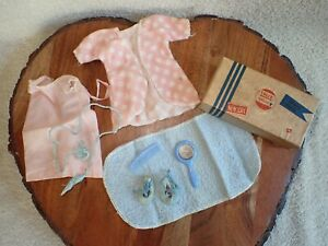Vintage Ginny Vogue Doll Suitcase Nightgown Robe Towel Shoes