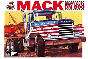 MPC 1:25 Mack Dm800 Semi Tractor, #R2MPC899